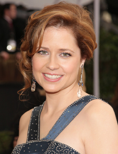 Jenna Fischer at the SAG Awards wearing Bochic rose cut diamond, sapphire, and lucite earrings.