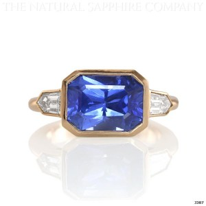 blue sapphire ring in yellow gold