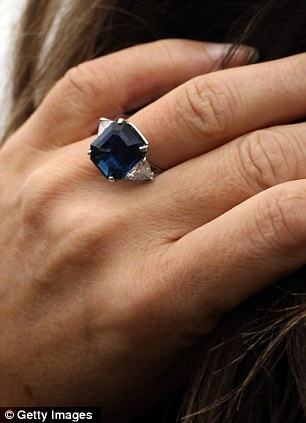 Elizabeth Hurley blue sapphire engagement ring