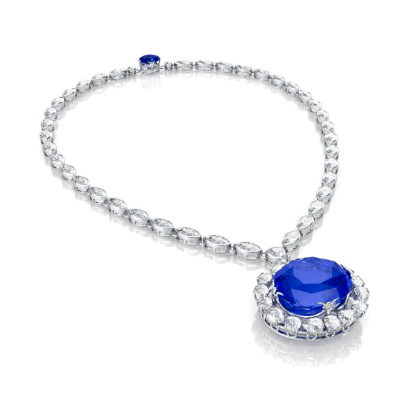 the sapphire necklace view 3