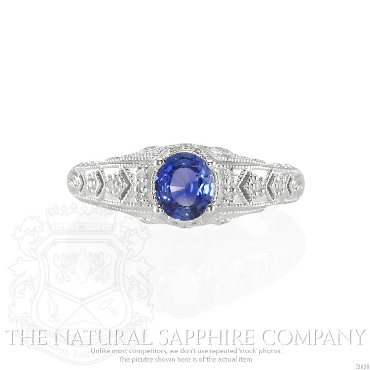 oval-blue-sapphire-estate-ring-0.82-Ct-2