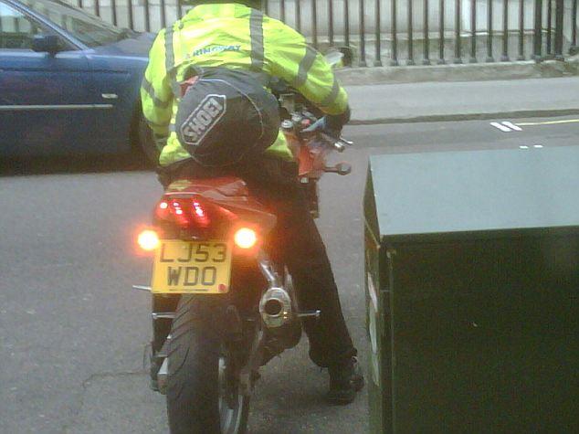 motorbike-rider-robs-graff