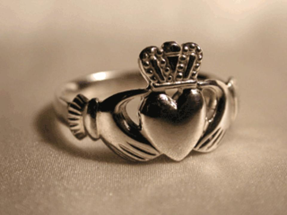 claddagh rings perfect for bridal and sapphires. Black Bedroom Furniture Sets. Home Design Ideas