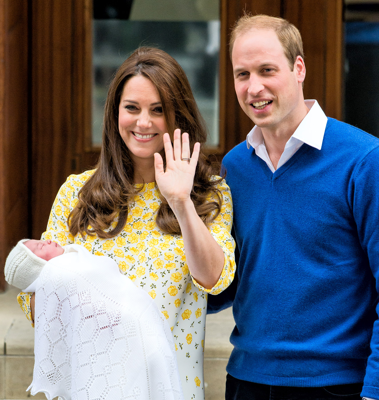 Kate Middleton And Princess Charlotte In Stylish Yellow