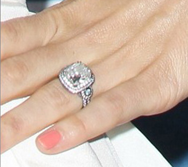 Jessica biels engagement ring
