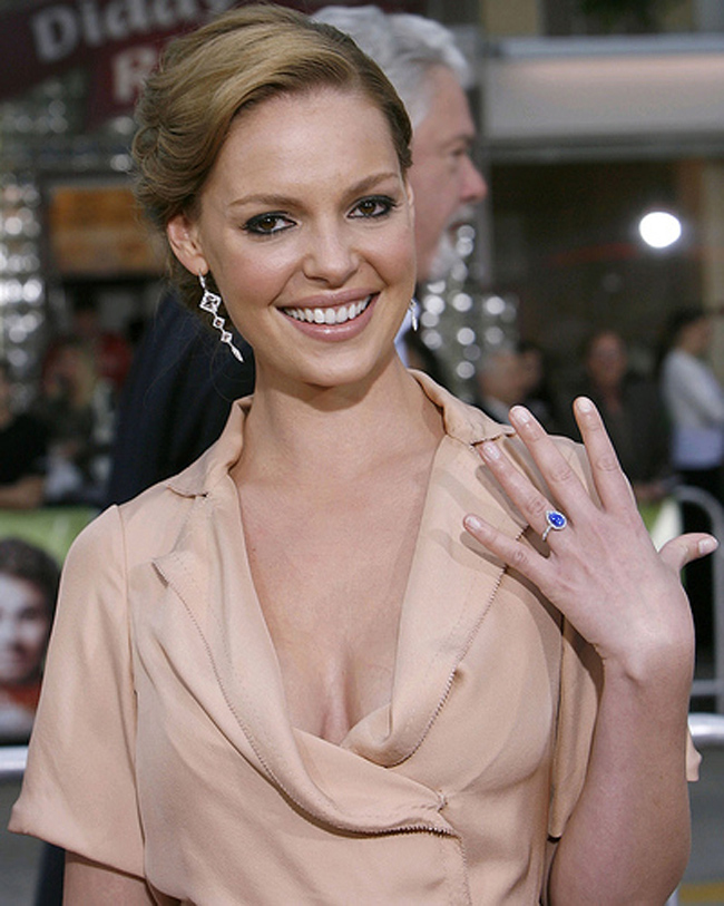 katherine-heigl-engagement-ring-blue-sapphire