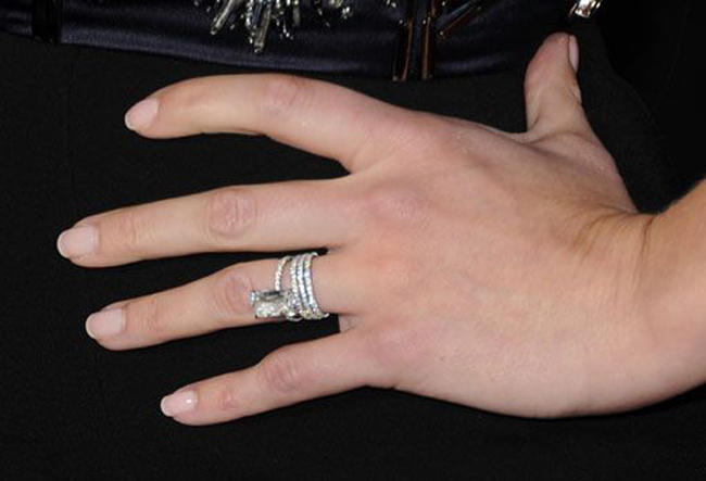 reese-witherspoon-engagement-ring