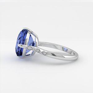 Gwyneth Paltrow blue sapphire