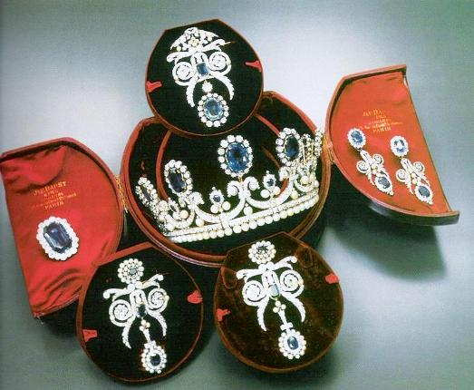 marie amelie pearl diamond parure