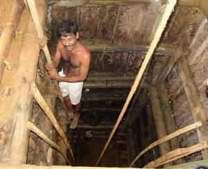 man sapphire mine Sri Lanka