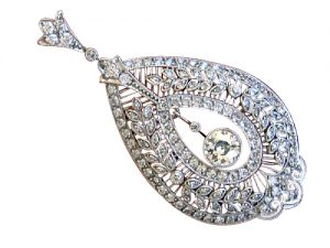 Edwardian lacy pendant