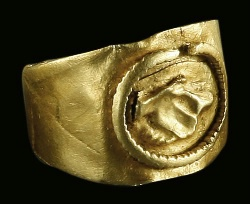 gold roman wedding ring