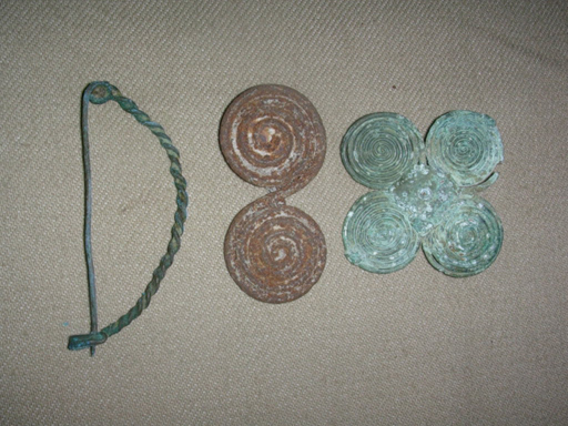 ancient examples of fibulae