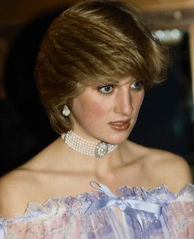 Princess Diana pearl choker