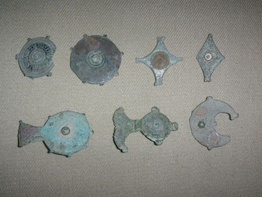 Roman plate fibulae brooches