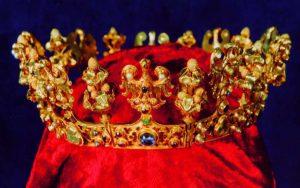 golden crown from Sroda treasure