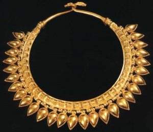 assyrian gold necklace