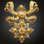 Baroque style jewel