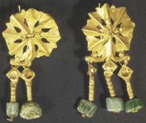 byzantine gold and emerald earrings