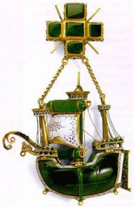 emerald Caravel pendant