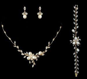 pearl and diamond wedding set