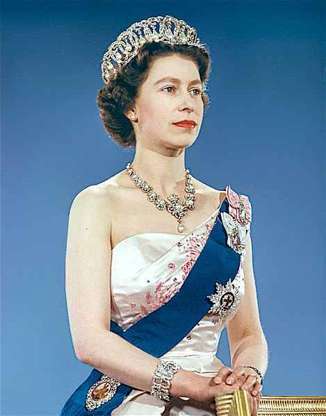 formal portrait Queen Elizabeth 1959