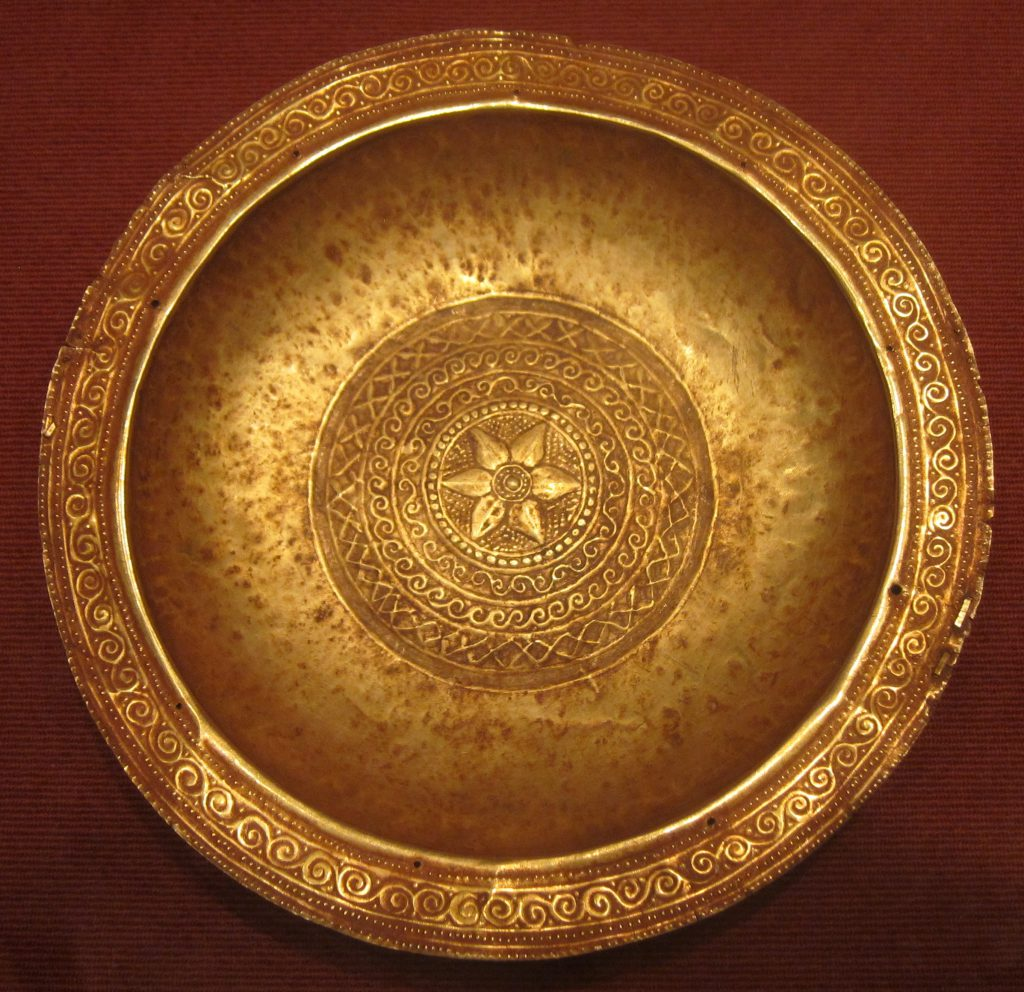 ceremonial dish gold alloy